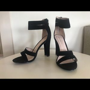 New in box - Shoe Republic LA heels - 10